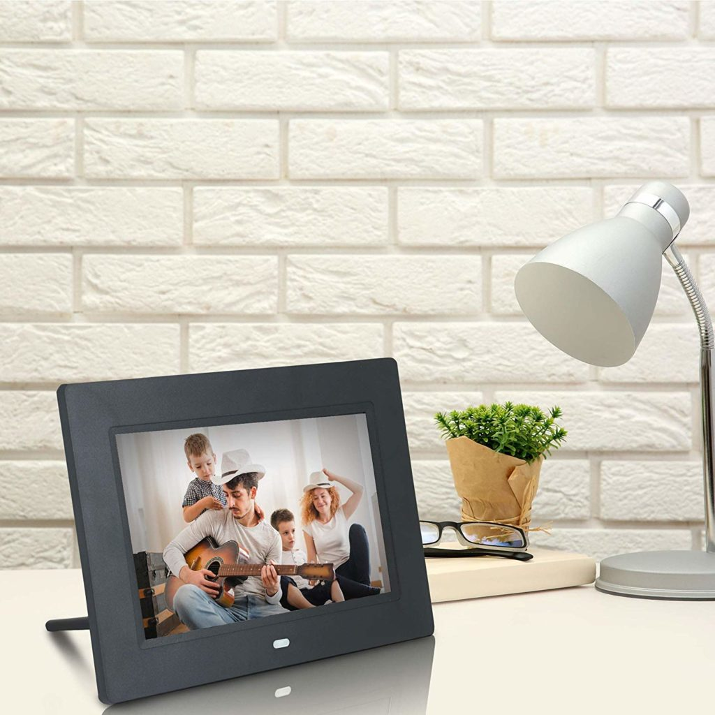 Xech Digital Photo Frame with Remote 7